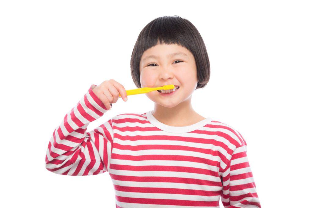 【歯磨き嫌いな2歳児の対処法】我が子が自ら洗面所に向かうようになった4つの理由