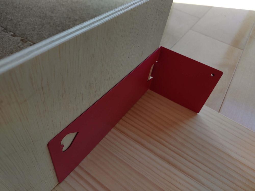 ルーロの基地の作り方:手順2.天板に脚板をボンドでくっつける(寄り)